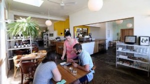 Cakes and Ale Restaurant atmosphere_small