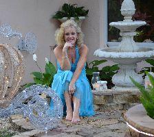 Julie Christmas carriage feet_small