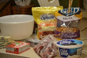 ingredients for the pretzel jello salad_small