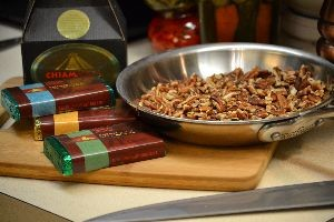 Mexican chocolate and roasted pecans_small