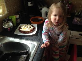 vivien-helping-make-the-cake_small