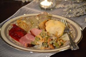Julies Christmas Dinner plate 2015_small