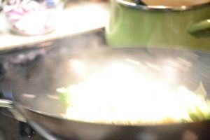 cooking the lo mein in the new wok_small