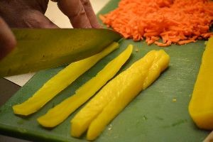 slicing a pickled raddish_small