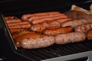 hot dogs and bratz on the grill_small
