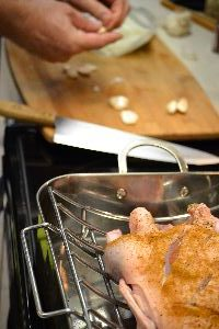 seasoned duck with garlic cloves_small
