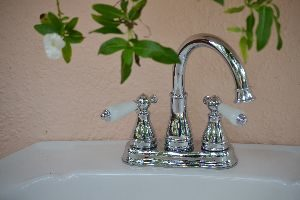 the very pretty faucet_small
