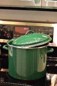 boiling a chicken on the stove top_small