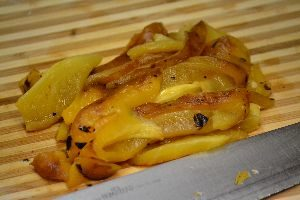 1-chop-grilled-pepepr-into-strips_small