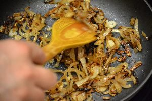 1-the-carmelized-onions_small
