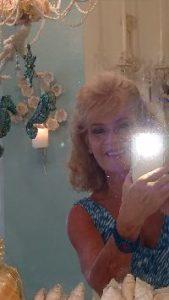 Juile selfie flash_small