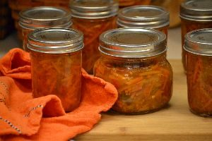 trick or heat hot pepper and carrot relish_small