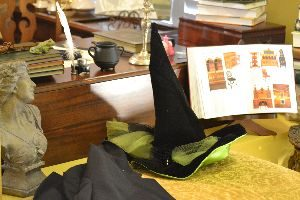 witches desk at Hogwarts_small