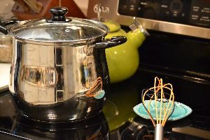 boiling-a-pot-of-pasta-for-a-side_small