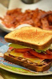 Bacon turkey sandwich_small