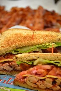 bacon turkey sandwich for leftovers_small
