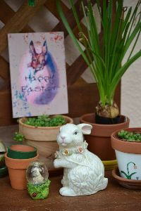 Happy Easter on the potting bench 2016_small