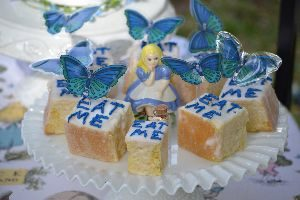 eat me cakes_small