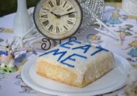 """Our Alice In Wonderland """"Eat Me"""" Cakes"""